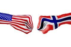 Σημαία των ΗΠΑ και της Νορβηγίας Πάλη έννοιας, επιχειρησιακός ανταγωνισμός, σύγκρουση ή αθλητικά θεάματα Στοκ φωτογραφίες με δικαίωμα ελεύθερης χρήσης