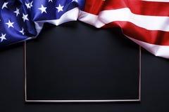 Σημαία υποβάθρου των Ηνωμένων Πολιτειών της Αμερικής για τον εθνικούς ομοσπονδιακούς εορτασμό διακοπών και την ημέρα ενθύμησης πέ στοκ φωτογραφία