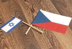 Σημαίες Δημοκρατίας της Τσεχίας τελών του Ισραήλ Στοκ Φωτογραφίες