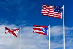 Σημαίες επάνω στο φρούριο Πουέρτο Ρίκο EL Morro Στοκ εικόνα με δικαίωμα ελεύθερης χρήσης