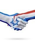 Σημαίες Ισραήλ, ολλανδικές χώρες, έννοια χειραψιών φιλίας συνεργασίας στοκ φωτογραφία με δικαίωμα ελεύθερης χρήσης