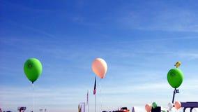 Σημαίες και μπαλόνια Εορτασμός fete δίκαιος ψυχαγωγία Καρναβάλι διασκεδάσεις στοκ εικόνες