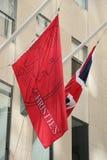 Σημαίες στην κύρια έδρα της Christie ` s σε Rockefeller Plaza στη Νέα Υόρκη Στοκ Εικόνες