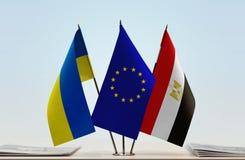 Σημαίες της ΕΕ της Ουκρανίας και της Αιγύπτου στοκ φωτογραφίες