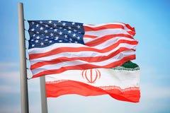 Σημαίες των ΗΠΑ και του Ιράν στοκ φωτογραφία με δικαίωμα ελεύθερης χρήσης
