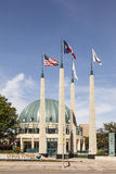 Σημαιοστολίζει κοντά στον πύργο αυλακώματος, Ντάλλας, ΗΠΑ Στοκ φωτογραφίες με δικαίωμα ελεύθερης χρήσης