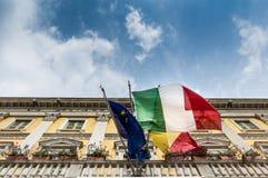 σημαιοστολίστε τα ιταλ& στοκ εικόνα με δικαίωμα ελεύθερης χρήσης