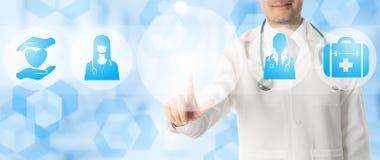 Σημεία γιατρών στο διάστημα αντιγράφων με τα ιατρικά εικονίδια Στοκ φωτογραφίες με δικαίωμα ελεύθερης χρήσης