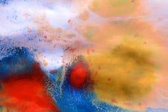 Σημεία μελανιού των διαφορετικών χρωμάτων σε άσπρο υγρό χαρτί Στοκ Εικόνα