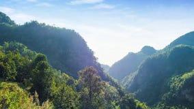 Σημείο άποψης τοπίων για το λόφο βουνών σε ANG khang, Chiangmai Ταϊλάνδη Στοκ Φωτογραφία