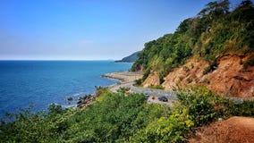 Σημείο άποψης noen-Nangphaya, chai-υπάρξοντα Khung Wiman, Chanthaburi, Ταϊλάνδη Όμορφη άποψη δρόμων και θάλασσας, τα ομορφότερα φ Στοκ Εικόνα