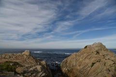 Σημείο Joe, παραλία χαλικιών, Drive 17 μιλι'ου, Καλιφόρνια, ΗΠΑ Στοκ φωτογραφία με δικαίωμα ελεύθερης χρήσης