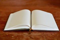 σημείωση βιβλίων ανοικτή Στοκ Εικόνες