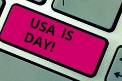 Σημείωση γραψίματος που παρουσιάζει αμερικανική ημέρα μνήμης Επιχειρησιακή φωτογραφία που επιδεικνύει τις ομοσπονδιακές διακοπές  στοκ εικόνες