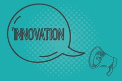 Σημείωση γραψίματος που παρουσιάζει καινοτομία Επιχειρησιακή φωτογραφία που επιδεικνύει νέο διαφορετικό δημιουργικό προϊόντων ιδέ απεικόνιση αποθεμάτων