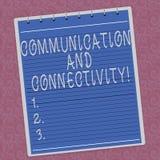 Σημείωση γραψίματος που παρουσιάζει την επικοινωνία και συνδετικότητα Επιχειρησιακή φωτογραφία που επιδεικνύει τις κοινωνικές συν στοκ φωτογραφία