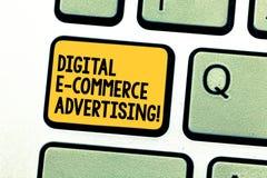 Σημείωση γραψίματος που παρουσιάζει ψηφιακή διαφήμιση ηλεκτρονικού εμπορίου Εμπορικές συναλλαγές επίδειξης επιχειρησιακών φωτογρα στοκ εικόνες