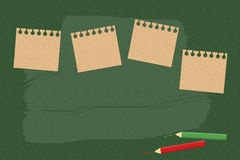 Σημείωση ραβδιών για τον πράσινο πίνακα Στοκ φωτογραφία με δικαίωμα ελεύθερης χρήσης