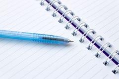 Σημειωματάριο και μάνδρα Στοκ Εικόνες