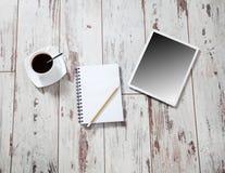Σημειωματάριο και ταμπλέτα offee Ð ¡ Στοκ Φωτογραφίες
