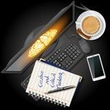 Σημειωματάριο και υπολογιστής με το κινητούς τηλέφωνο και τον καφέ Στοκ εικόνα με δικαίωμα ελεύθερης χρήσης