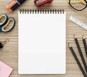Σημειωματάριο και χαρτικά Στοκ Εικόνα