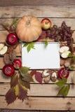 Σημειωματάριο με τα φρούτα φθινοπώρου Στοκ Εικόνες