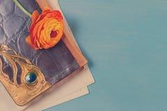Σημειωματάριο με το λουλούδι Στοκ φωτογραφία με δικαίωμα ελεύθερης χρήσης