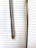 Σημειωματάριο & πέννα Στοκ φωτογραφία με δικαίωμα ελεύθερης χρήσης