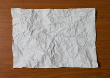 Σημειωματάριο στον ξύλινο πίνακα Στοκ Εικόνες