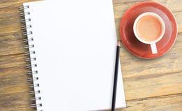 Σημειώστε το προϊόν για το βιβλίο με την έννοια εγγράφου, το αντικείμενο ή το διάστημα αντιγράφων στοκ φωτογραφίες με δικαίωμα ελεύθερης χρήσης