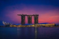 Σιγκαπούρη & ηλιοβασίλεμα στοκ εικόνες με δικαίωμα ελεύθερης χρήσης