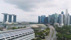 Σιγκαπούρη - 25 Σεπτεμβρίου 2018: Ορίζοντας πόλεων της Σιγκαπούρης κατά μήκος του ποταμού της Σιγκαπούρης, της όμορφης πράσινης χ στοκ φωτογραφίες