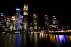 Σιγκαπούρη τη νύχτα Στοκ εικόνα με δικαίωμα ελεύθερης χρήσης