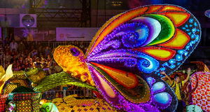 ΣΙΓΚΑΠΟΎΡΗ - 3 ΦΕΒΡΟΥΑΡΊΟΥ: Φεστιβάλ 2012 Chingay στη Σιγκαπούρη στο Φ Στοκ Εικόνες
