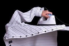 σιδερώνοντας πουκάμισο Στοκ Εικόνες