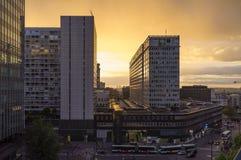 Σιδηροδρομικός σταθμός Montparnasse, Παρίσι, Γαλλία, στις 28 Μαΐου 2013: Ηλιοβασίλεμα στοκ εικόνες