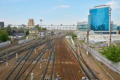 Σιδηρόδρομοι κοντά στο σιδηροδρομικό σταθμό Paveletskaya στη Μόσχα Στοκ εικόνες με δικαίωμα ελεύθερης χρήσης