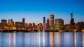 Σικάγο - καταπληκτική άποψη πέρα από τον ορίζοντα το βράδυ - ΣΙΚΑΓΟ, ΗΠΑ - 12 ΙΟΥΝΊΟΥ 2019 στοκ εικόνες με δικαίωμα ελεύθερης χρήσης