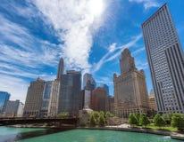 Σικάγο κεντρικός και ποταμός του Σικάγου στο θερινό χρόνο στο Σικάγο, Ιλλινόις στοκ φωτογραφία με δικαίωμα ελεύθερης χρήσης