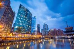 Σικάγο κεντρικός και ποταμός του Σικάγου στοκ εικόνα