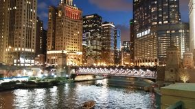 Σικάγο στη λίμνη Μίτσιγκαν στο Ιλλινόις Ποταμός του Σικάγου στοκ φωτογραφίες με δικαίωμα ελεύθερης χρήσης