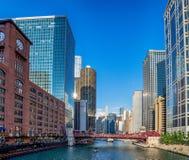 Σικάγο, IL Ηνωμένες Πολιτείες - Augustl 09, 2017: Βάρκα τουριστών επάνω στοκ εικόνα