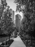 Σικάγο Riverwalk στην οδό λιμνών Ο Μαύρος & λευκό στοκ φωτογραφίες