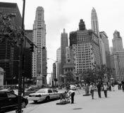 Σικάγο Strolling σε γραπτό στοκ εικόνες