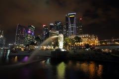 Σινγκαπούρη τη νύχτα Στοκ Φωτογραφία