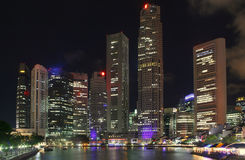Σινγκαπούρη τη νύχτα Στοκ Εικόνα