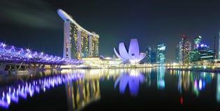 Σινγκαπούρη τη νύχτα Στοκ εικόνα με δικαίωμα ελεύθερης χρήσης