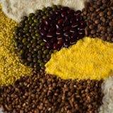 Σιτάρι, ρύζι, μπιζέλι, semolina, φακή και άλλες φαγόπυρου δημητριακά Στοκ φωτογραφία με δικαίωμα ελεύθερης χρήσης