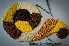 Σιτάρι φαγόπυρου, ρύζι, καλαμπόκι, μπιζέλι, semolina Στοκ Φωτογραφίες
